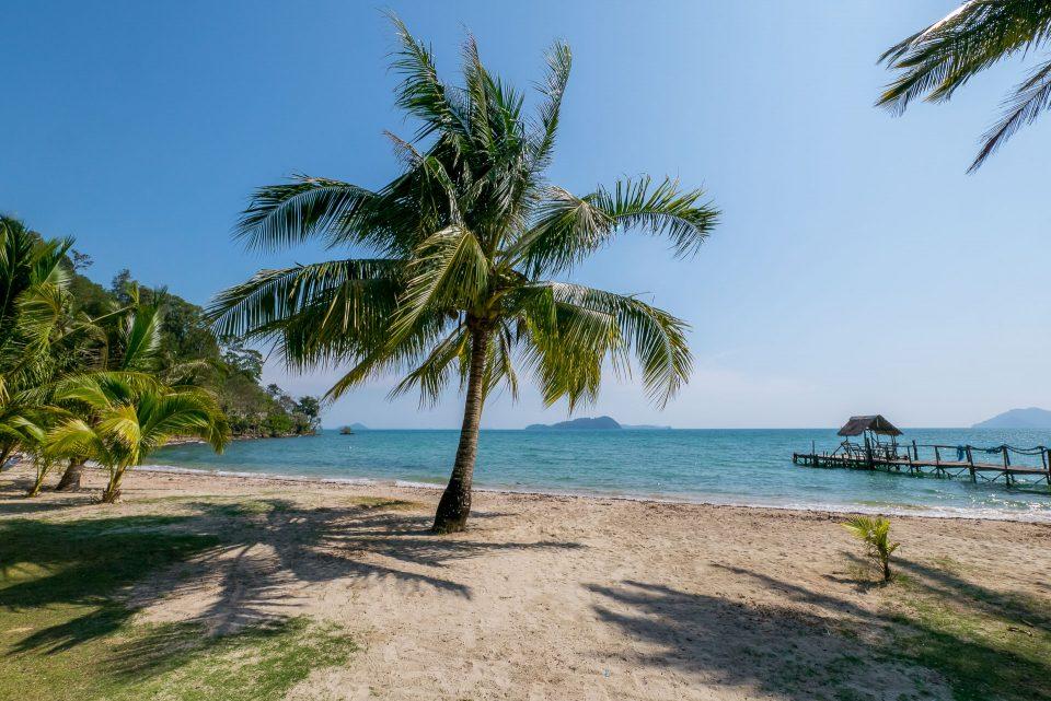 Смотровая площадка и маленький пляж по пути на Лонг бич