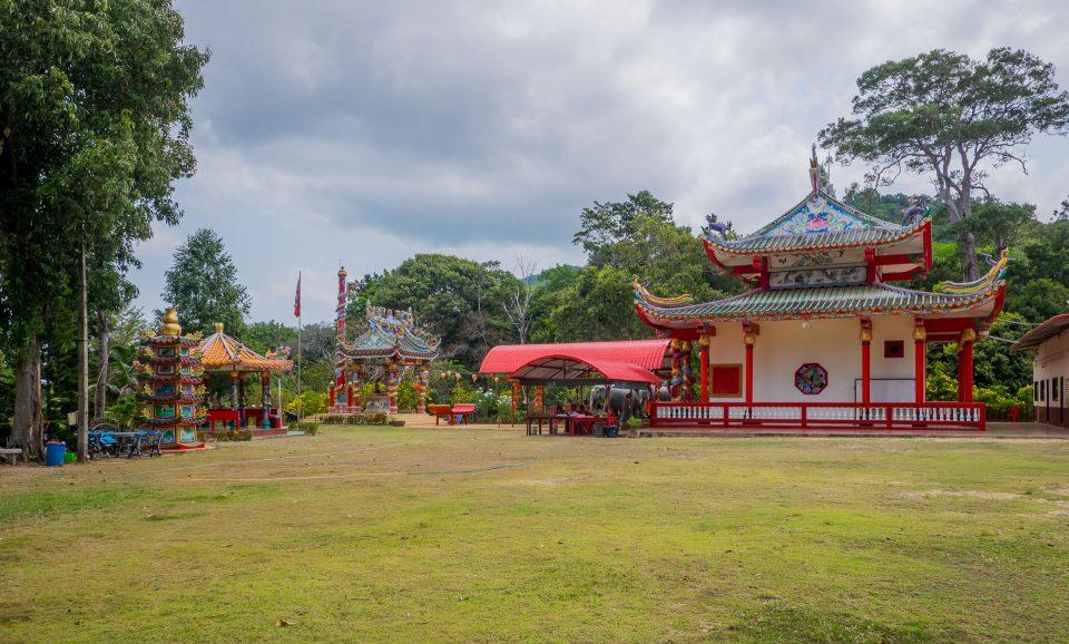 Общий вид китайского храма Chao Por на Ко Чанге